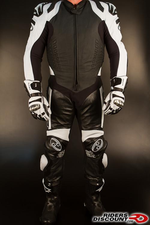 Held_race_evo_suit-1