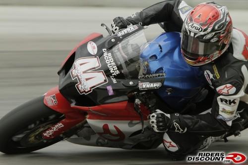 Suzuki_superbike_doubleheader_17