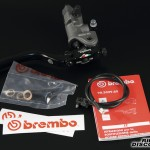 Everything as it comes straight out of the box: 19RCS master cylinder, brake light micro switch, dual-line banjo bolt, stickers and instructions.